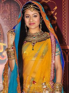 Paridhi Sharma to prove her mettle playing the enchanting Jodha in Zee TV's Jodha Akbar! Pregnant Celebrities, Indian Celebrities, Bollywood Celebrities, Bollywood Fashion, Indiana, Wedding Lehenga Online, Indian Goddess, Celebrity Wallpapers, Beautiful Bollywood Actress