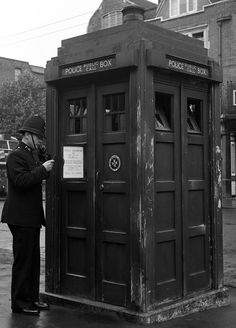 """The Tardis"". Metropolitan Police Box. Hammersmith, London. 1948. [574 x800] - Imgur"