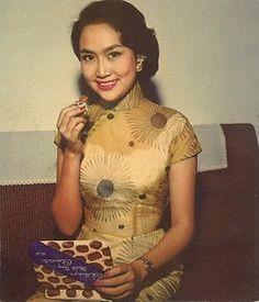 qipao pattern vintage Asian cheonsam style dress fashion photo girl print found tan 50s 60s