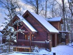 Gatlinburg Cabin, Gatlinburg, Tennessee  10 Cozy Cabins To Escape To This Winter http://www.countryliving.com/homes/real-estate/homeaway-cozy-cabins?src=spr_FBPAGE&spr_id=1453_112163896#slide-7