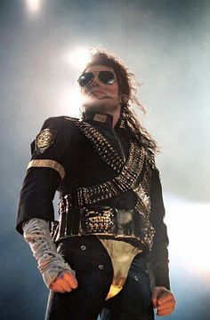 Michael Jackson during Dangerous world tour Michael Jackson Dangerous, Michael Jackson Smile, Janet Jackson, Mj Dangerous, Michael Jackson Wallpaper, Chor, King Of Music, The Jacksons, Look Vintage