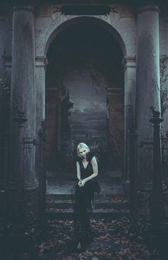 """""""Il Portale dell'Oblio"""" — Photographer: Andrea... - Dark Beauty"""