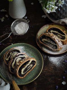 Kynutý makový závin   Máma peče doma   Bloglovin' Pancakes, Breakfast, Sweet, Food, Morning Coffee, Candy, Eten, Meals, Pancake