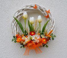 s tulipány a křepelčími vajíčky...velikonoční věne / Zboží prodejce V... - #křepelčími #prodejce #tulipany #vajíčkyvelikonoční #velikono #věne #Zboží Felt Flower Wreaths, Xmas Wreaths, Easter Wreaths, Floral Wreath, Willow Wreath, Diy Wreath, Spring Crafts, Summer Wreath, Easter Crafts