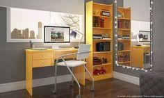 Home Office com móveis em amarelo.
