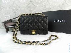 Сумка Chanel Classic Flap Bag Mini Square