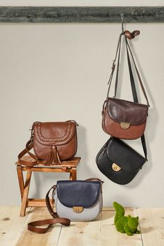 A saddle bag for every outfit. We can't get enough of our favorite fall handbag, Emi.
