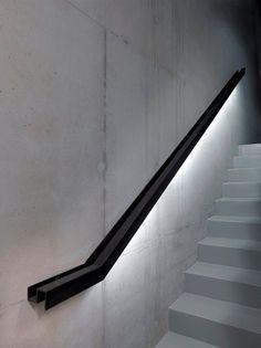 Creative railing that highlights stair constructions staircase # spiral staircase design Creative railing that highlights stair constructions - Neu Haus Designs Viktoria Bretzmann Treppenhandlauf Creative r Staircase Handrail, Interior Staircase, Modern Staircase, Stair Railing, Staircase Design, Handrail Ideas, Spiral Staircase, Metal Stairs, Concrete Stairs