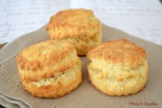 English scones for tea Mexican Dessert Recipes, Appetizer Recipes, Snack Recipes, Croissants, 3 Ingredient Scones, Biscotti, English Scones, Chocolate Chip Recipes, Food Cakes
