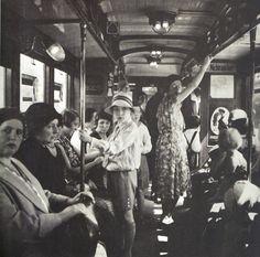 Berlin 1930 Fahrgaeste in der U-Bahn Bahn Berlin, Berlin Photos, Berlin Germany, Dancing On The Edge, Underground World, S Bahn, Cool Countries, Women In History, Berlin