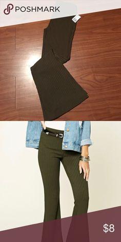 Wide leg leggings NWT Forever21 olive bell bottom leggings size medium can fit a small or medium Forever 21 Pants Leggings