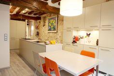 Brigitte Elbaze              Création d'une cuisine sur mesure, une touche contemporaine dans un intérieur typiquement parisien
