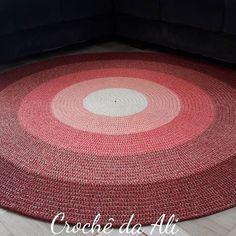 Crochê da Ali (@croche_da_ali)   Instagram photos and videos Scrubbies Crochet Pattern, Crochet Patterns Amigurumi, Crochet Case, Easy Crochet, Basic Embroidery Stitches, Crochet Stitches, Crochet Furniture, Knit Rug, Crochet T Shirts