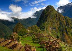 Machu Picchu - Pérou - Mikhaïl Bakunin Une personne n'est forte que lorsqu'elle s'appuie sur la vérité, quand elle parle et agit à partir de ses convictions les plus profondes. Ensuite, quelle que soit la situation, elle saura toujours quoi dire et quoi faire. Elle pourra tomber, mais elle n'aura jamais honte d'elle-même ni de sa cause.