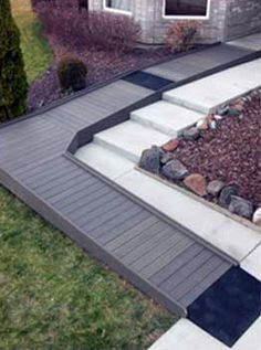wood ramp>>> See it. Believe it. Do it. Watch thousands of spinal cord injury videos at SPINALpedia.com Handicap Accessible Home, Handicap Ramps, Ada Ramp, Ramp Design, Access Ramp, Wheelchair Ramp, Aging In Place, Backyard Landscaping, Curb Appeal