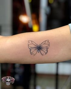 Borboleta Tattoo - List of the most beautiful tattoo models Finger Tattoos, Body Art Tattoos, Tribal Tattoos, Small Tattoos, Sleeve Tattoos, Tatoos, Paar Tattoos, Bild Tattoos, Disney Tattoos