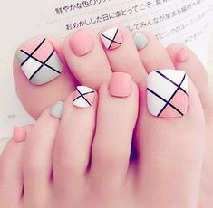 Pink Toe Nail Art Ideas to Copy 29 Pink Toe Nail Art Ideen zum Kopieren 30 Pink Toe Nails, Pink Toes, Feet Nails, My Nails, Nail Pink, Chevron Nails, White Nail Polish, White Nails, Nail Art Designs