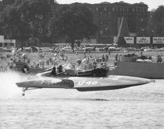 Unlimited #Hydroplane U40 Miss Bardahl in full flight 1963