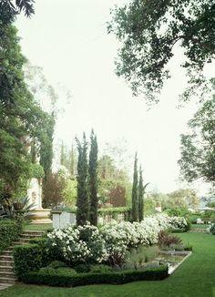 elegant-outdoor-garden-wedding-location