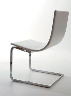 Lan chair by Ramon Estevez Estudio _