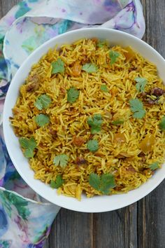 Instant Pot Curried Apple Rice (My Heart Beets) Pressure Cooker Rice, Instant Pot Pressure Cooker, Pressure Cooker Recipes, Pressure Cooking, Find Recipes By Ingredients, Dinner Sides, Healthy Side Dishes, Easy Cooking, Indian Food Recipes