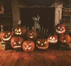 Theme Halloween, Halloween Season, Halloween House, Scary Halloween, Vintage Halloween, Fall Halloween, Halloween Decorations, Happy Halloween, Mexican Halloween