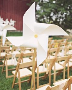 Love the idea of pinwheels for the guests at the ceremony!