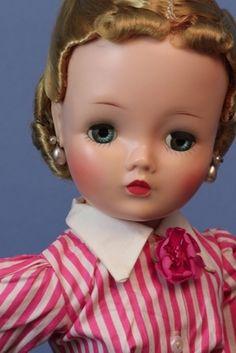 Vintage Madame Alexander Cissy wears rare Secretary/Librarian shirtwaist and skirt set. Vintage Barbie, Vintage Dolls, I Love My Mother, Sexy Librarian, Vintage Madame Alexander Dolls, Vinyl Dolls, Dolls For Sale, Doll Costume, Creepy Dolls