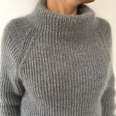 Free Knitting Pattern for 2 Row Repeat Sixty Years Sweater Hand Knitted Sweaters, Sweater Knitting Patterns, Cardigan Pattern, Free Knitting, Winter Sweaters, Cozy Sweaters, Knit Fashion, Sweater Fashion, Handgestrickte Pullover