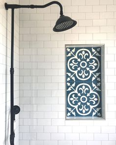 Shower shelves - Loving this beautiful blue and white pattern tiled shower shelf bathroom bathroommaster Ensuite Bathrooms, Bathroom Renos, Bathroom Renovations, Bathroom Interior, Home Remodeling, Bedroom Remodeling, Bathroom Ideas, Bathroom Towels, Bathroom Vanities