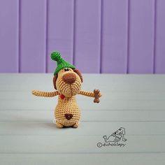 Crochet Animals, Plush Dolls, Free Pattern, Crochet Necklace, Mini, Knitting, Toys, Instagram Posts, Fine Art