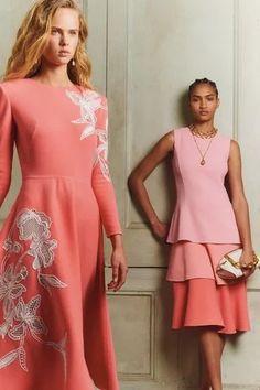 Oscar de la Renta Pre-Fall 2020 Fashion Show - Vogue Vogue Fashion, Fashion 2020, Look Fashion, Runway Fashion, Fashion Design, Daily Fashion, Street Fashion, Fashion Trends, Fall Collection