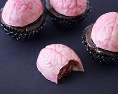 Bloody Brain Chocolate Mold Cupcakes How-To