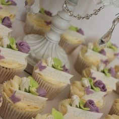 Wedding place names cupcakes