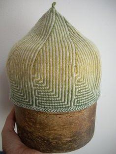 Alba cardigan finished again Knit Mittens, Knitted Hats, Knitting Projects, Knitting Patterns, Knit Crochet, Crochet Hats, Dinosaur Pattern, Fair Isle Knitting, Knitting Accessories