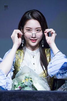 Jiho oh my girl South Korean Girls, Korean Girl Groups, Jiho Oh My Girl, Kpop Posters, Pop Group, Kpop Girls, To My Daughter, Idol, Cute