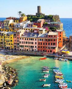 Cinque Terre is one of those places you must visit once in your life! Italy Vacation, Italy Travel, Siena Toscana, Holiday Destinations, Travel Destinations, Places To Travel, Places To See, Cinque Terre Italy, Living In Italy