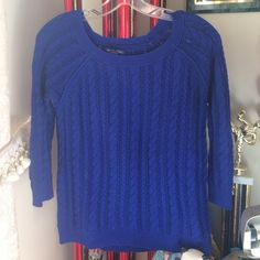 Royal Blue American eagle sweater Royal blue American eagle sweater. 3/4 sleeve. In perfect condition. Worn once. Accepting all reasonable offers! American Eagle Outfitters Sweaters Crew & Scoop Necks