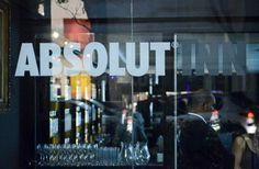 A Absolut escolheu a dedo a cidade de São Paulo para o seu primeiro espaço multifuncional, o Absolut Inn!  Na Oscar Freire, uma mistura de bar com ateliê!  A inauguração acontece amanhã!  Para os apreciadores de plantão, vale conferir!!