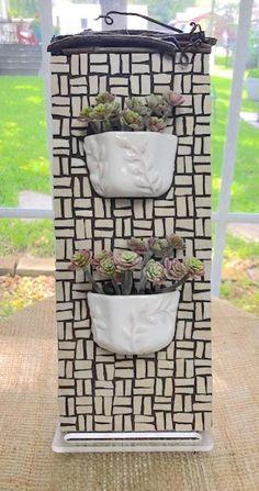 Mosaic Planters, Mosaic Garden Art, Mosaic Tile Art, Mosaic Flower Pots, Mosaic Artwork, Mosaic Diy, Mosaic Glass, Mosaics, Wall Planters