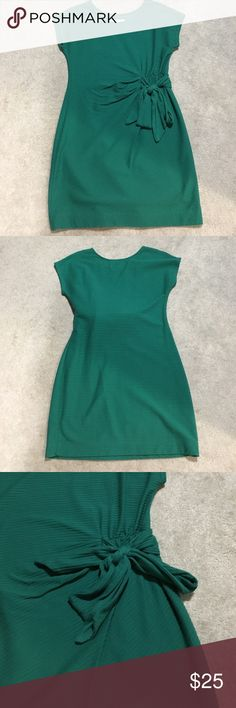 Anthropologie Green Knit Shift Dress Green shift Dress by Saturday Sunday brand at Anthropologie. Can be dressed up or down! Has tie detail at waist. Size Medium. 60% cotton, 40% polyester. Anthropologie Dresses