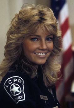 Heather Locklear - awesome flicks in TJ Hooker Feathered Hair Cut, Feathered Hairstyles, Long Layered Haircuts, Haircuts For Long Hair, Shag Hairstyles, Retro Hairstyles, Medium Hair Styles, Curly Hair Styles, 1980s Hair