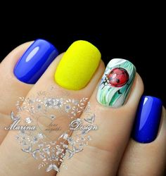 Summer manicure - new photos Spring Nail Colors, Spring Nail Art, Spring Nails, Nail Art Design Gallery, Best Nail Art Designs, Bright Nails, Blue Nails, Two Color Nails, Moon Manicure