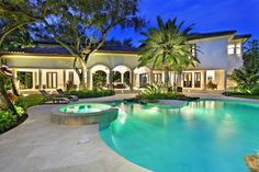 The Grand Oak Estate - First-class, resort-style setting in Snapper Creek. Completely renovatedand one of the finest estates in South Florida. Irreplaceable mature oak canopy, fire pit, lagoon pool loggia with ProFire summer kitchen. Showcase kitchen features Wolf, Sub-Zeroand Miele appliances. Crestron system runs propertyand home theatre. Custom cabinetryand ceilings, natural stone finishes throughout. 2-bedroom guest house, 50 KW generator, 256-bottle glass enclosedand refrigerated wine…