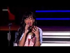 Rihanna performing Love The Way You Lie (pt. 2) live at Hackney music festival - YouTube