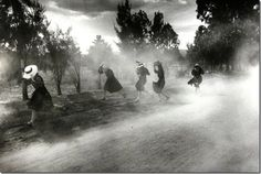 Dust Storm, 1994, by Larry Towell