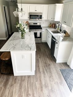 Kitchen Countertop Trends, Kitchen Backsplash Designs, Top Kitchen Trends, Kitchen Design, Kitchen Design Trends, Kitchen Cabinet Trends, Top Kitchen Colors, Kitchen Trends, Latest Kitchen Designs