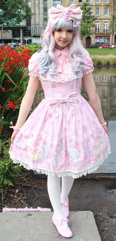 Sweet Lolita Outfit Coordinate by Princess Peachie. This is pretty much loli perfection right here.