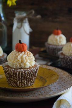 un pedacito de cielo: Pumpkin Cupcakes & Cream Cheese
