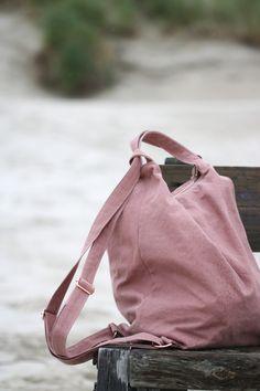 Freebook Tasche Nimmersatt – Elsbeth und Ich Poche de livre gratuit insatiable – Elsbeth et moi. Backpack Pattern, Tote Backpack, Tote Purse, Next Jeans, Love Jeans, Elsbeth Und Ich, Black Apron, Pvc Fabric, Barrel Bag